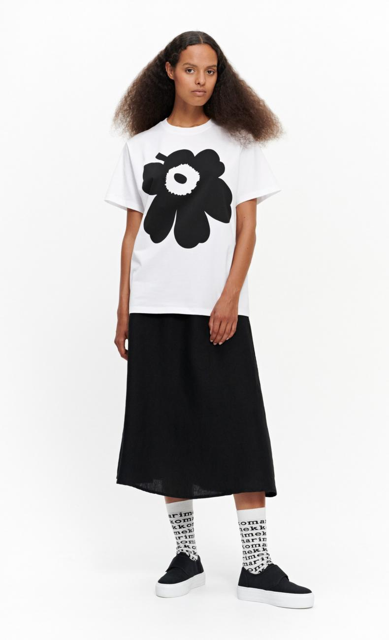 Liuske Unikko Placement Tシャツ