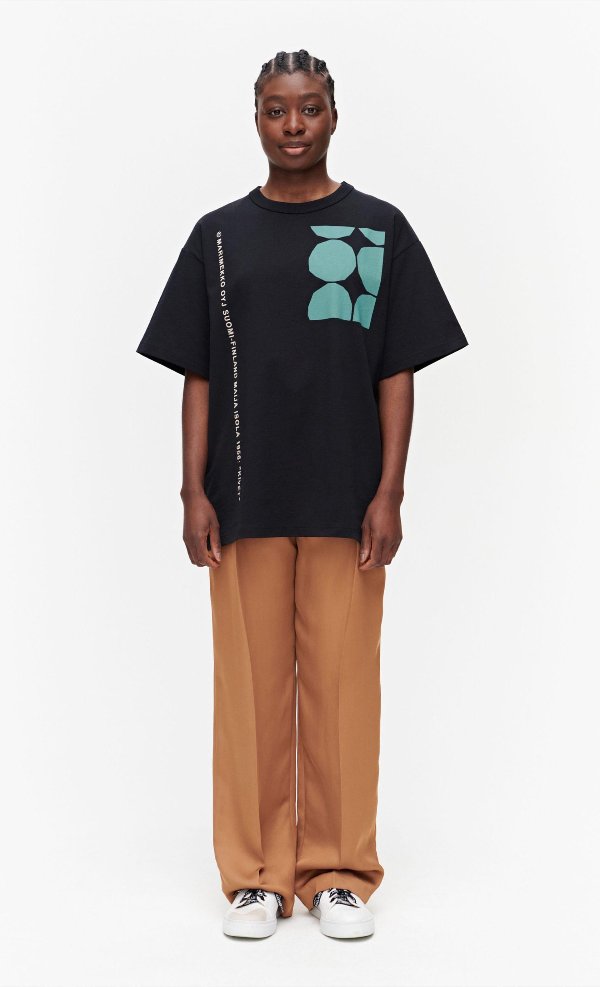 Ohje kivet / Marimekko Co-created Tシャツ