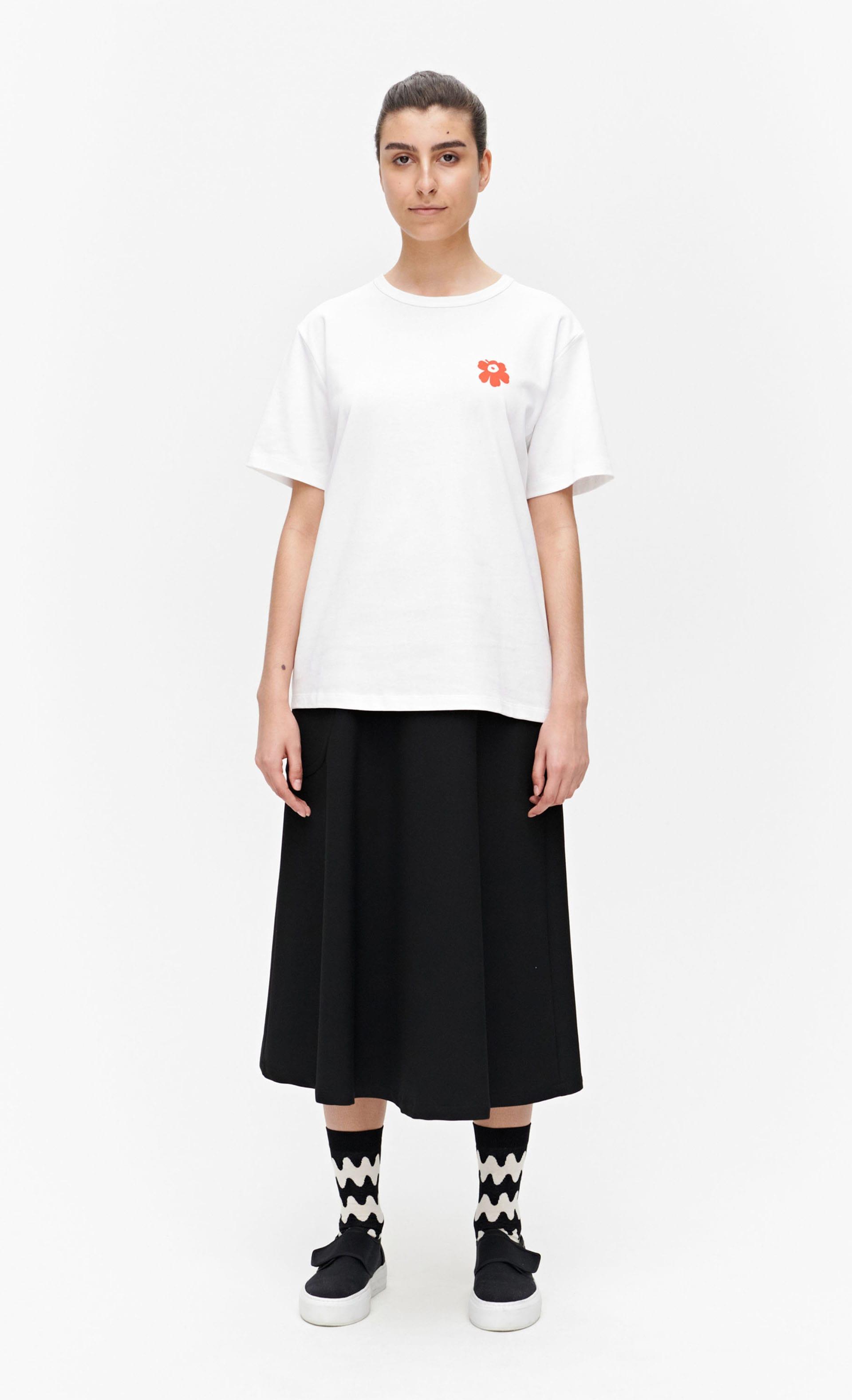 Vahva Unikko Tシャツ
